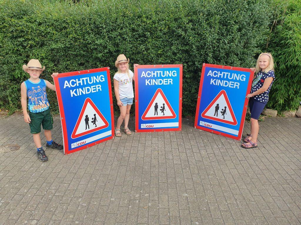 """PM Plakataktion """"Achtung Kinder!"""""""
